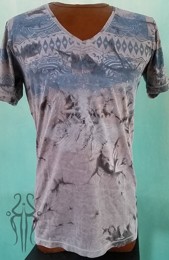 Limited Edition Bandala Somnio8 and Koko Paulli Gradient Blue Psychedelic Geometry Art Printed Cotton Men's V-Neck T-Shirt - https://www.etsy.com/ca/listing/223470185/limited-edition-bandala-somnio8-and-koko?ref=related-0
