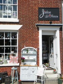 In Wickham, HAMPSHIRE is a brilliant shop called J'adore La Maison, where you will find modern country painted furniture as well as great home decor.