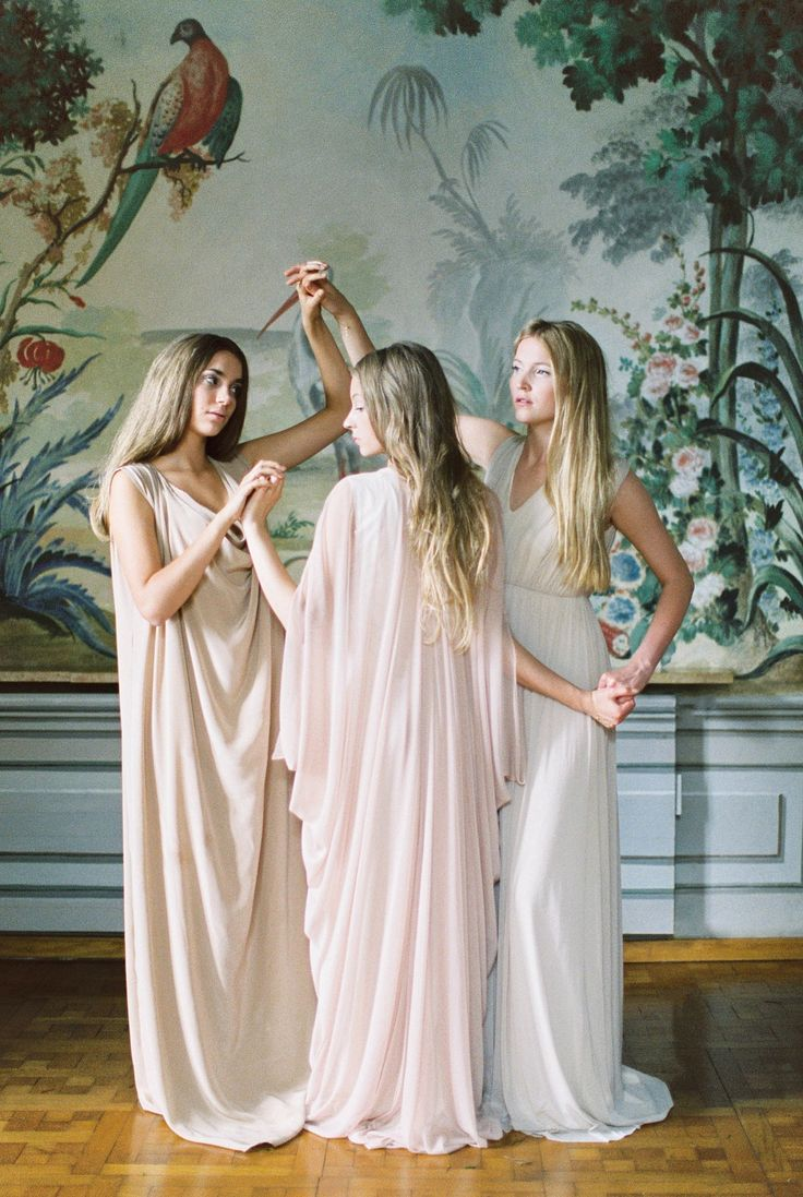 Renaissance Era Bride And Bridesmaid Inspiration By Maria Lamb Wedding Sparrow