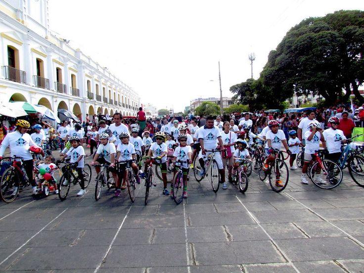 Realizan campaña de respeto al ciclista en Juchitán.