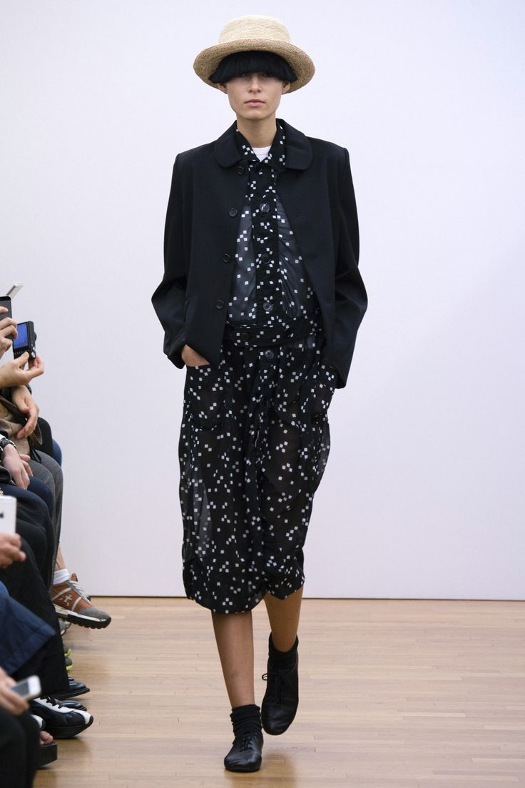 Comme Des Garcons Comme Des Garcons Womenswear Spring Summer 2015 Paris Fashion Week