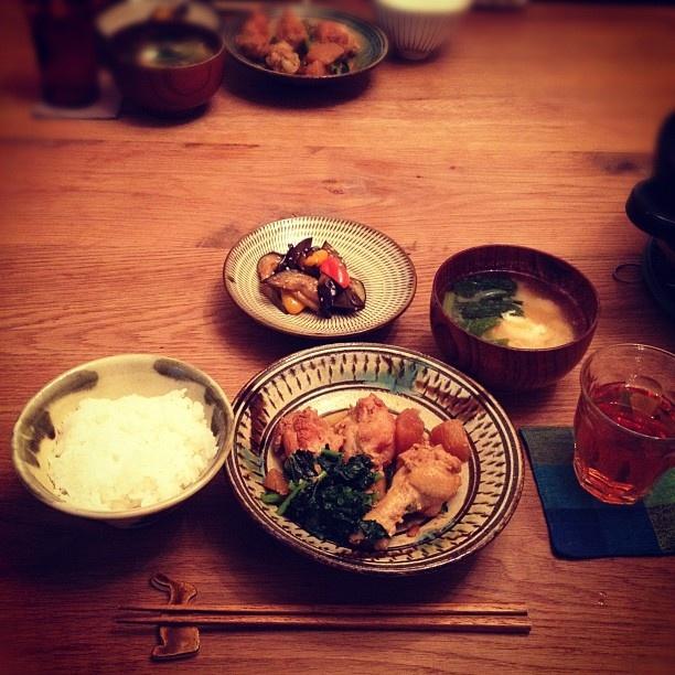 10/15#こぐまごはん 鶏手羽と大根の煮物、焼きなすサラダ、落とし卵の味噌汁。 - @koguma78- #webstagram