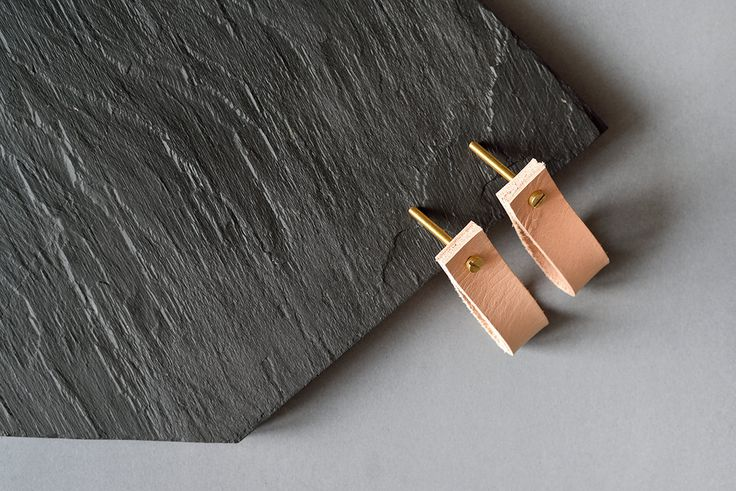 lade 3 natural cream leather pull / leather drawer pulls