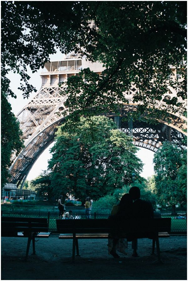 Romance in Paris on French Wedding Style Blog © Rhianne Jones Photography