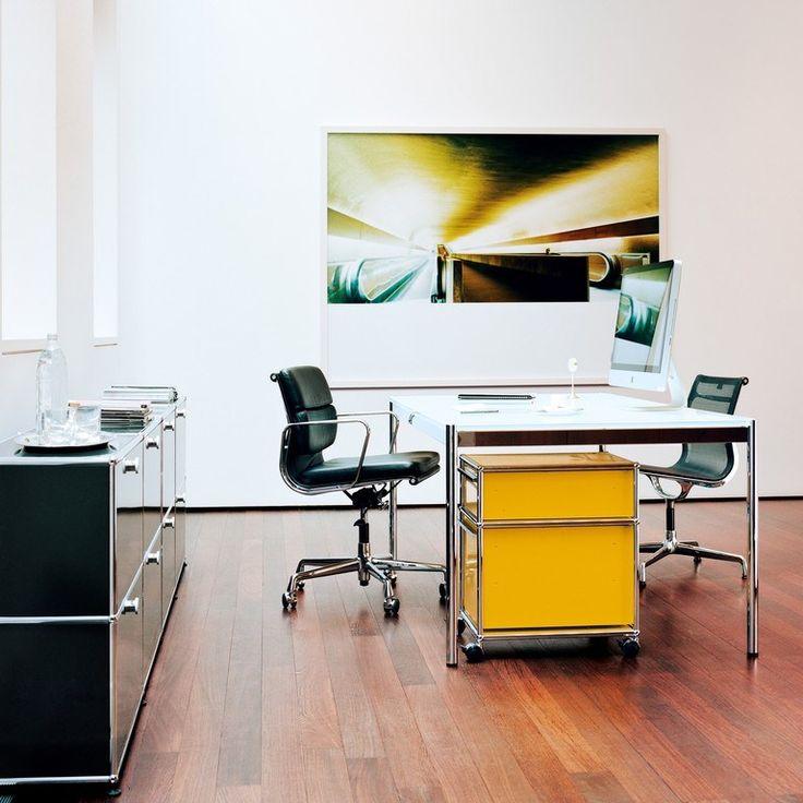 Rechteckiger Chefschreibtisch aus Holzfurnier USM Haller Individual Workstation Table Kollektion USM Haller Table by USM Modular Furniture | Design Fritz Haller