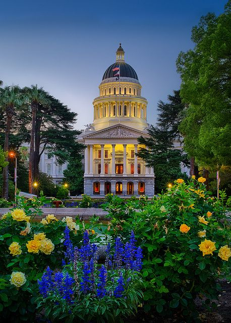 Early morning at the majestic state capitol building in Sacramento, California