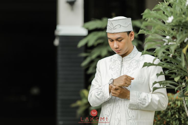 The Wedding Of Tania & Rizky oleh LAKSMI - Kebaya Muslimah & Islamic Wedding Service • Gaun pengiring pengantin | Bridal | Bridestory di Indonesia | Bridestory