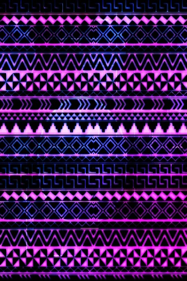 Purple pink blue laid out in tribal pattern | Cool i phone ...