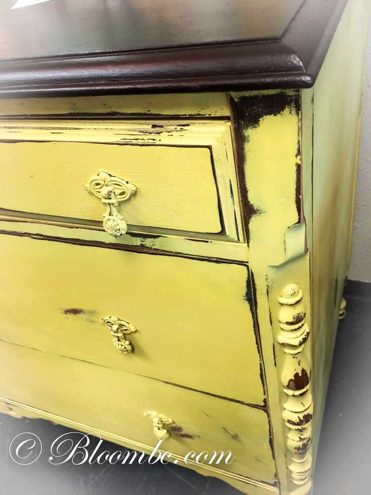 bloom...let yourself bloom...: ...English Yellow Chalk Paint® decorative paint by Annie Sloan...we love it!