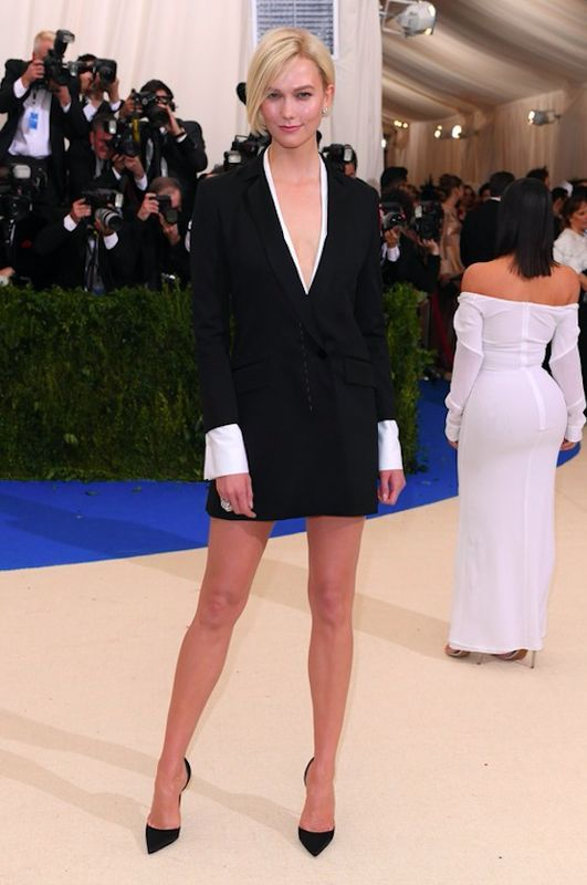 Karlie Kloss - Met Gala 2017, kreacja Carolina Herrera