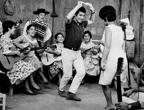 Victor Jara bailando cueca