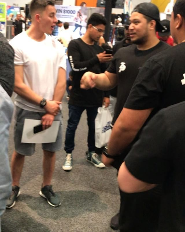 This was the line up for me once I finally got to the New Zealand Health and Fitness Expo. Very blessed to have this many people waiting to see me post 12 years after my last Mr Olympia win. Had a great day at the expo has been a awesome weekend. Can't wait to come back next year and do it all over again! #yeahbuddy
