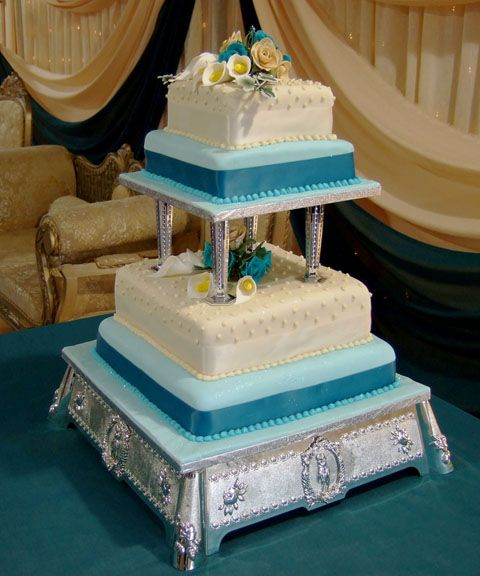 wedding cake with columns column wedding cake style fondant covered 4 26852