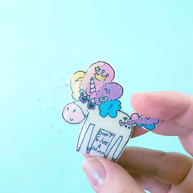 Queen of Everything - Unicorn glitter brooch pin