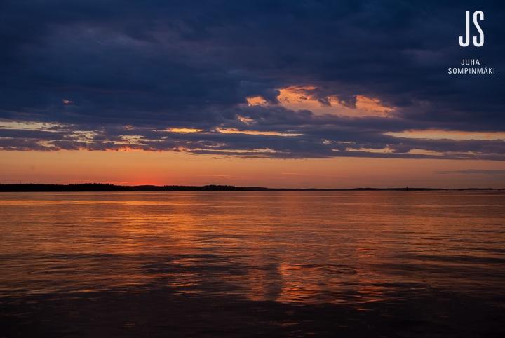 Sunset at Näsijärvi lake. Tampere, Finland #Tampere #Finland