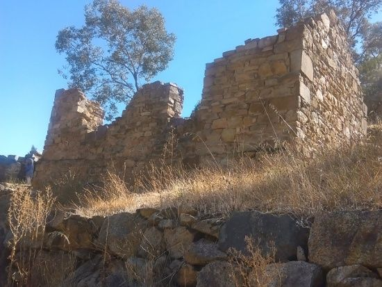 Adelong Falls and Gold Ruins - https://jimslifelog.files.wordpress.com/2015/04/imag0108.jpg