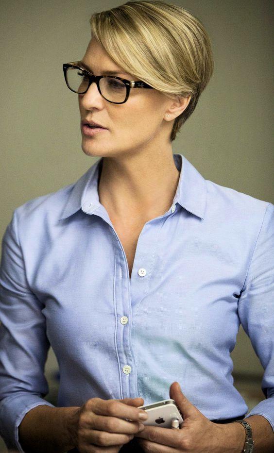 """13 Gründe Claire Underwood von """"House Of Cards"""" ist eine Mode-Ikone"""