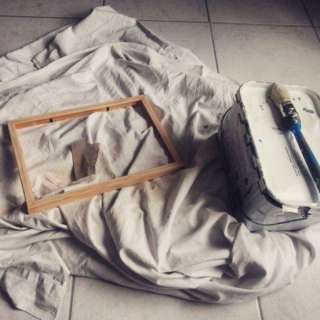 création d'un joli cadre, gris fer. Bricolage du matin pour la chambre de #babyboy #babyroom #homemade
