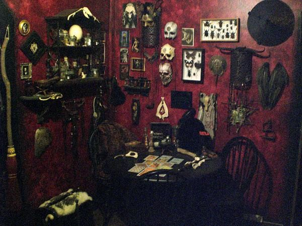 The Gothic Rooms Look Full Not One Empty Place Really Gothic Home Decor