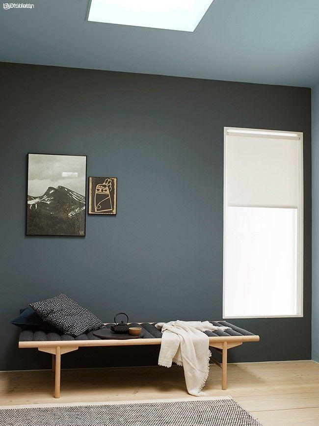 Vegger malt i Jotun Lady Pure Color supermatt 5030 St. Pauls Blue, tak i Perfection 5249 Linblå