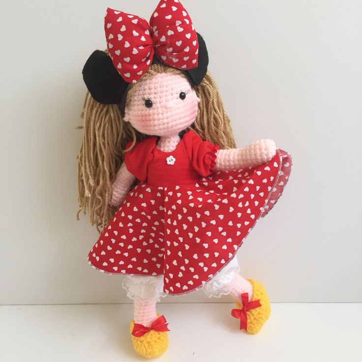 Amigurumi minnie mouse doll