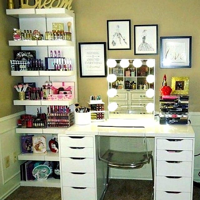 25+ Best Ideas about Makeup Stand on Pinterest  College  ~ 125706_Dorm Room Vanity Ideas