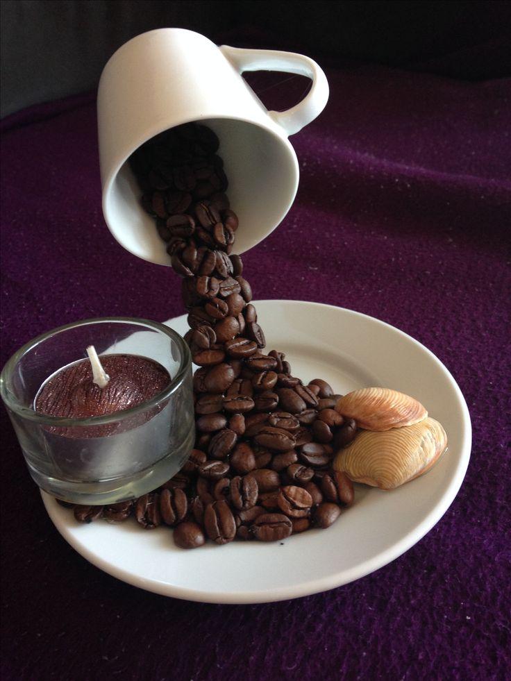 Schwebende Tasse mit Kaffeebohnen  Basteln  Pinterest  Kaffeebohnen Schweben und Tassen