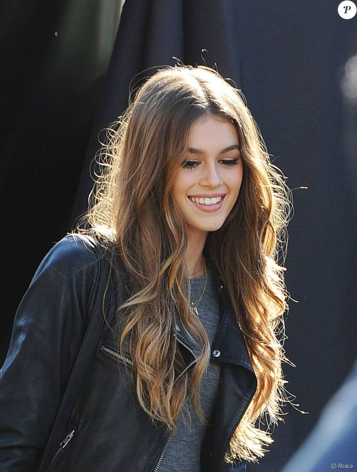 127 best images about kaia gerber on pinterest chrome On coupe de cheveux cindy crawford mi long