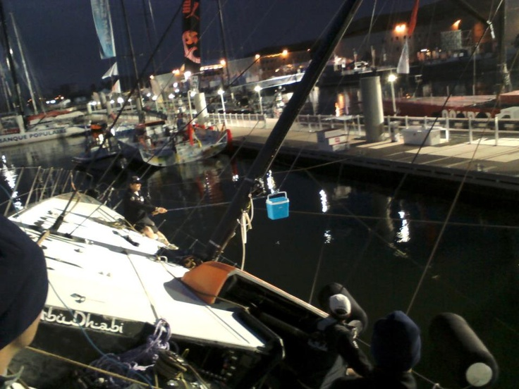 Devising a way of getting the coffee from the dock to the boat #volvooceanrace Abu Dhabi keel repair night PHOTO: MARTYN BAKER