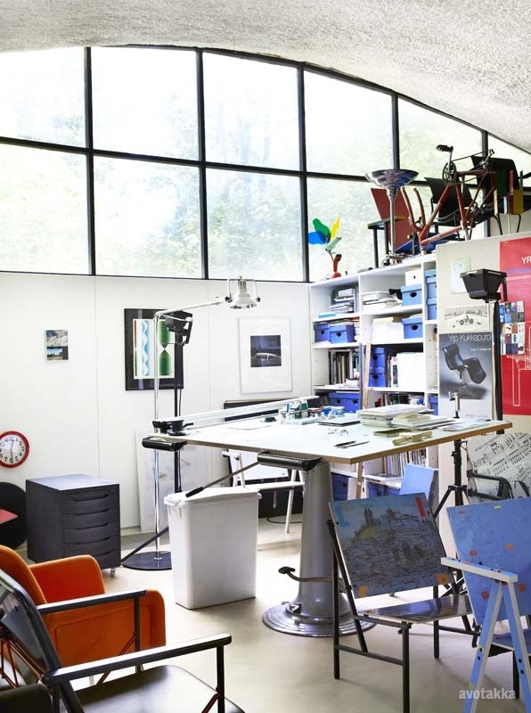 Ateljee Kukkapuro, Yrjö Kukkapuro's studio. Photo by Heidi Strengell, from Avotakka magazine 8/2012.