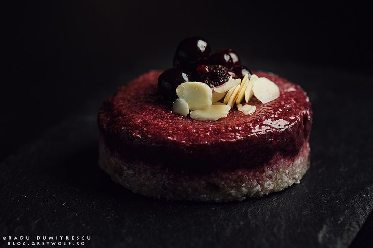 Keep it simple #3 - fotografii culinare cu fundal inchis | Radu Dumitrescu