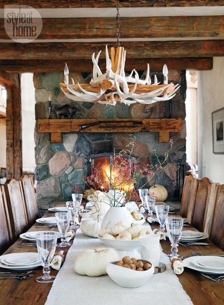 An elegant table with a natural look - Seasonal fall home decor ideas