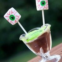 13 Halloween Food Ideas. Spooky Halloween Eyeball Pudding Treat