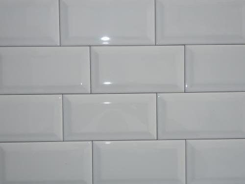 subway tile porcelain white white beveled subway tile on sale 2 75 sq ft u081 beveled white. Black Bedroom Furniture Sets. Home Design Ideas