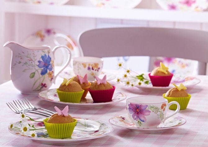 cakes, бабочки, butterfly, пирожное, еда, сладкое, цветы, десерт, cake, cups, чашки, кексы, dessert, muffins, стол, table, food, flowers