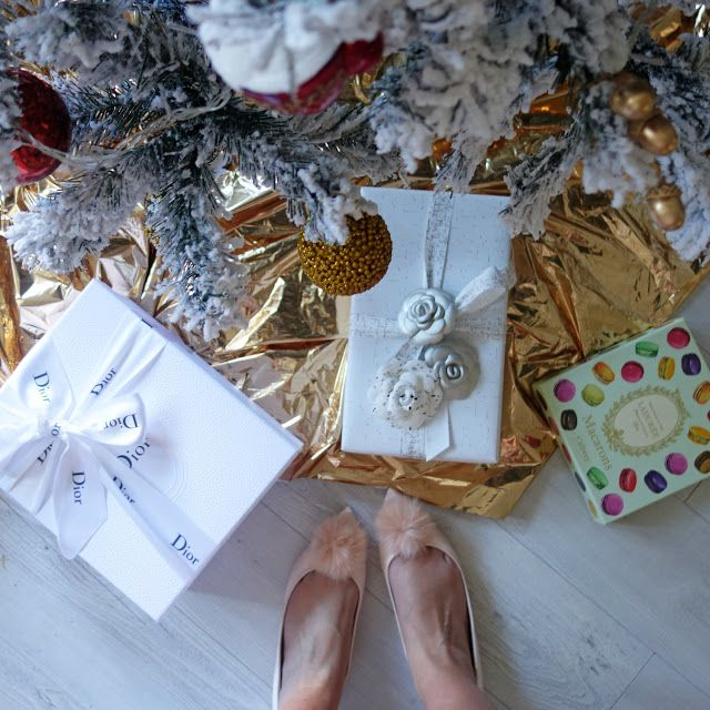 REVEAL: Xmas Unwrapping
