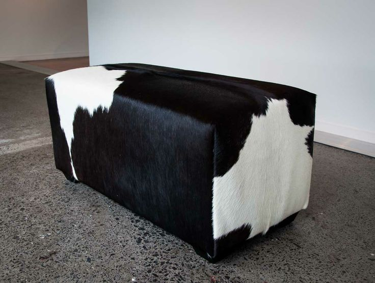1000 images about cowhide ottomans furniture on pinterest queen anne ottomans and cowhide. Black Bedroom Furniture Sets. Home Design Ideas