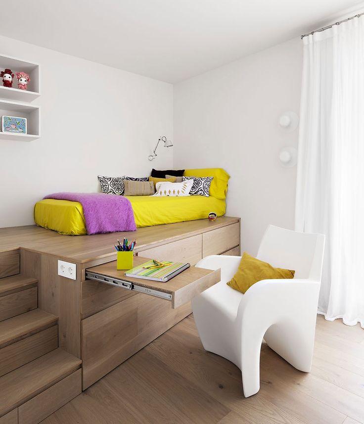 coole-zimmer-ideen-für-jugendliche-mit-Schrank-als-Podest-für-Bett-und-Schreibtisch-Schublade