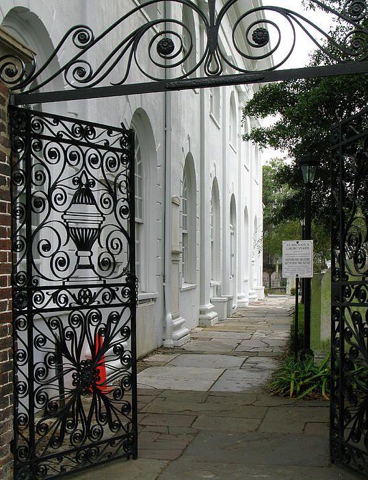 Charleston south carolina church side yard gate photograph for Charleston style fence