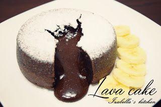 Izabella`s kitchen: Deserturi Lava cake sau prajitura vulcan. Simplu si rapid.