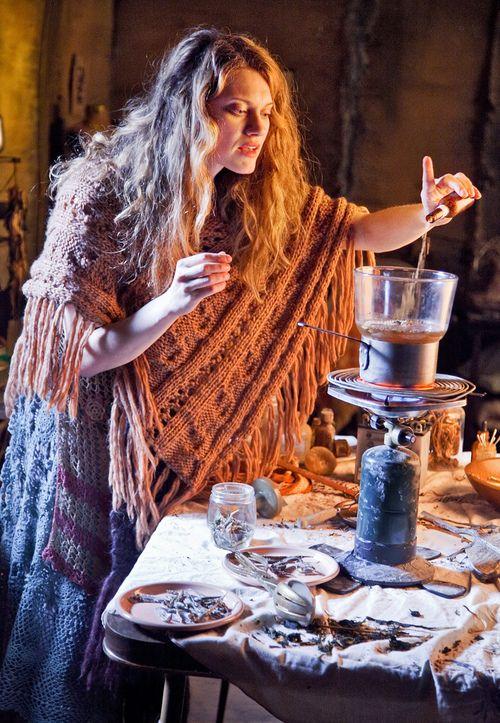 A bruxa que há em mim, saúda a bruxa que há em você! Blessed be!