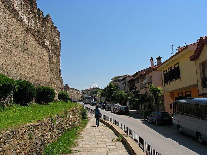 TRAVEL'IN GREECE I Eptapirgiou street, #Thessaloniki, #travelingreece