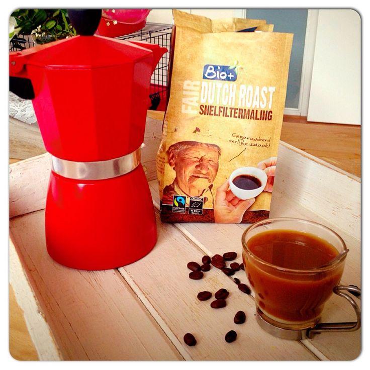 Een heerlijk bakkie verse koffie uit het #fairtrade pakket van #jamiemagazine. #cortado #koffie #chicascooking