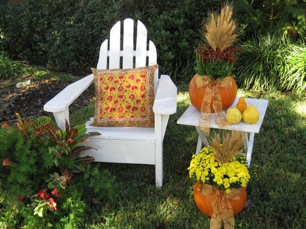 Decorate Your Outdoor Furniture For Fall | Levin Furniture