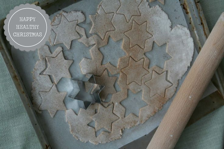 Al een paar jaar maak ik mini pizza sterren voor het kerstdiner op school. Geliefd bij kinderen of als hapje op een feestje.