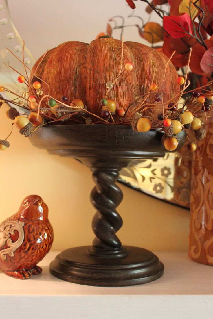26 beautiful burgundy accents for fall home d 233 cor digsdigs - Use My Candle Holder That We Put With The Pink And Green Stuff