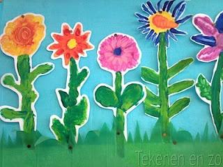 Bloemen (vinger)verven, uitknippen en opplakken