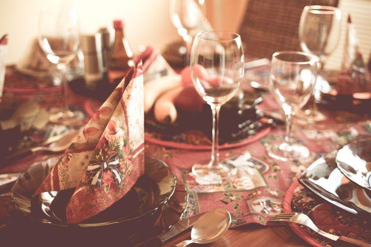wpid-christmas-table-setting.jpg