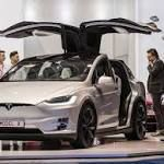 #birmingham Tesla 'autopilot' car hits Phoenix police motorcycle  PHOENIX - A Phoenix police motorcycle was struck by a Tesla Model X reportedly operating on autopilot last week, police said. The incident happened a few days before an accident involving an automated Uber vehicle in Tempe, Ariz.