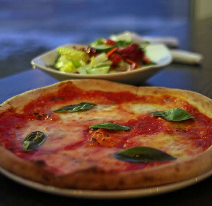 25 things to do in Calgary this February: try Via Cibo, a new Italian restaurant with authentic pizzas and sandwiches. #pizza #february #thingstodo #yyc